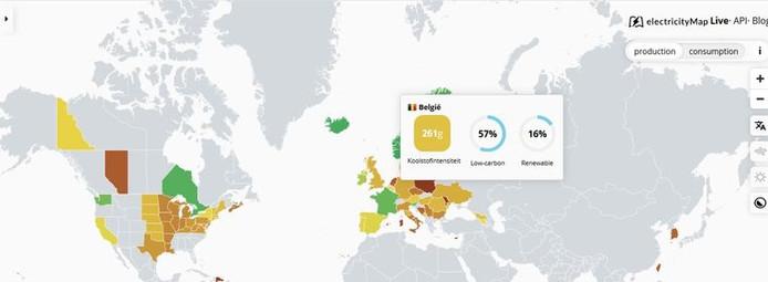 De kaart van electricityMap toont de actuele CO2-uitstoot bij de productie van elektriciteit.