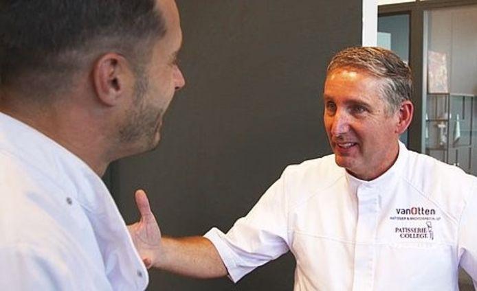 De Enterse bakker Eric van Otten in gesprek met presentator Jurjen te Brinke van de Evangelische Omroep.