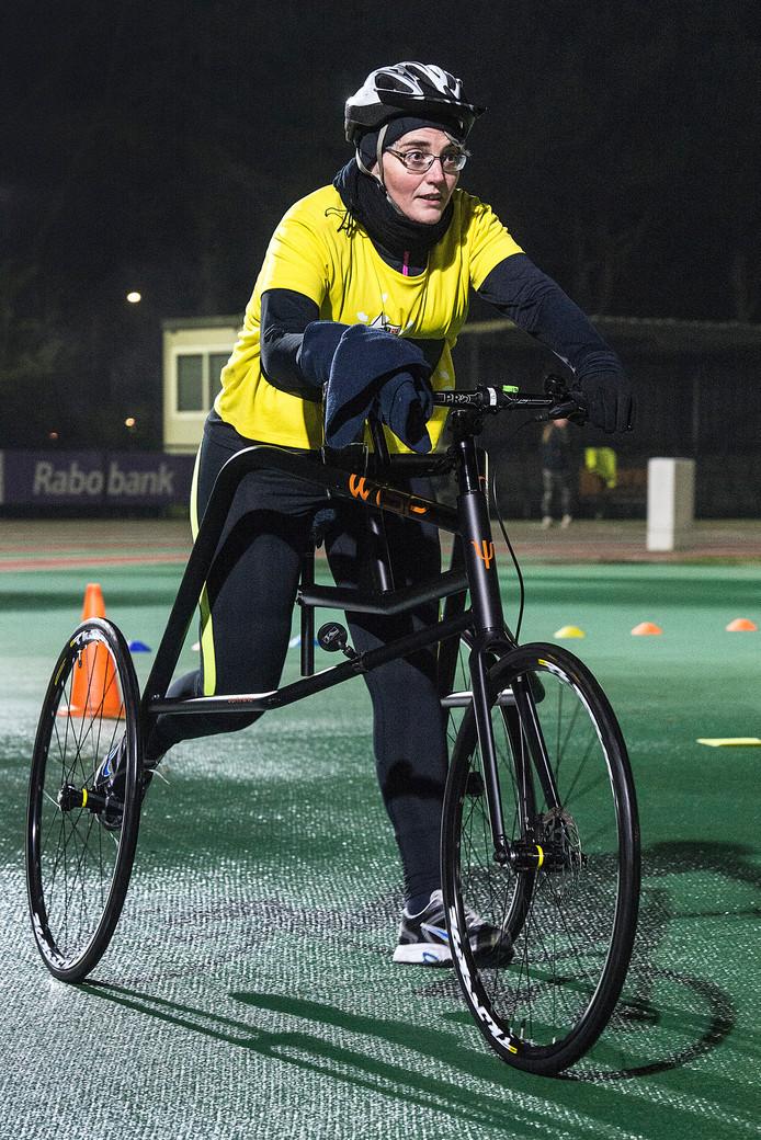 Denise Wijnbergh traint met een speciale racerunner.
