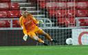 Robbin Ruiter stopt een penalty namens Sunderland.