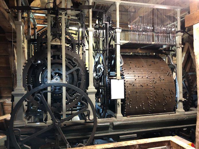 De speeltrommel van het carillon in de toren van het stadhuis van Veere