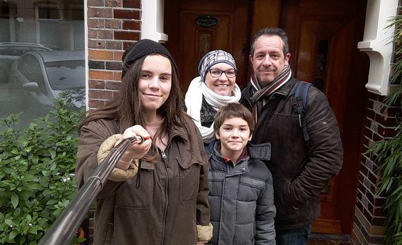 Kris en zijn echtgenote Pascale, samen met de kinderen Manon en Vincent in het najaar van 2016.