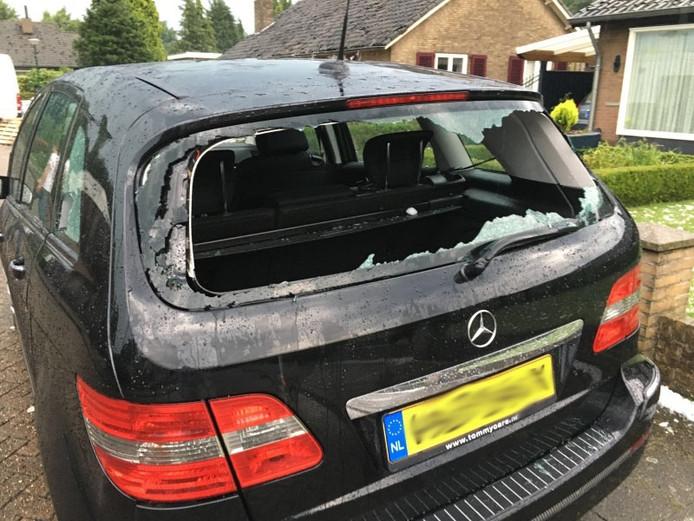 Flinke schade bij een auto in Luyksgestel