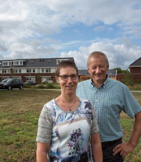Dit Bathmense echtpaar kocht als eerste een kavel in Laren maar bouwt als laatste