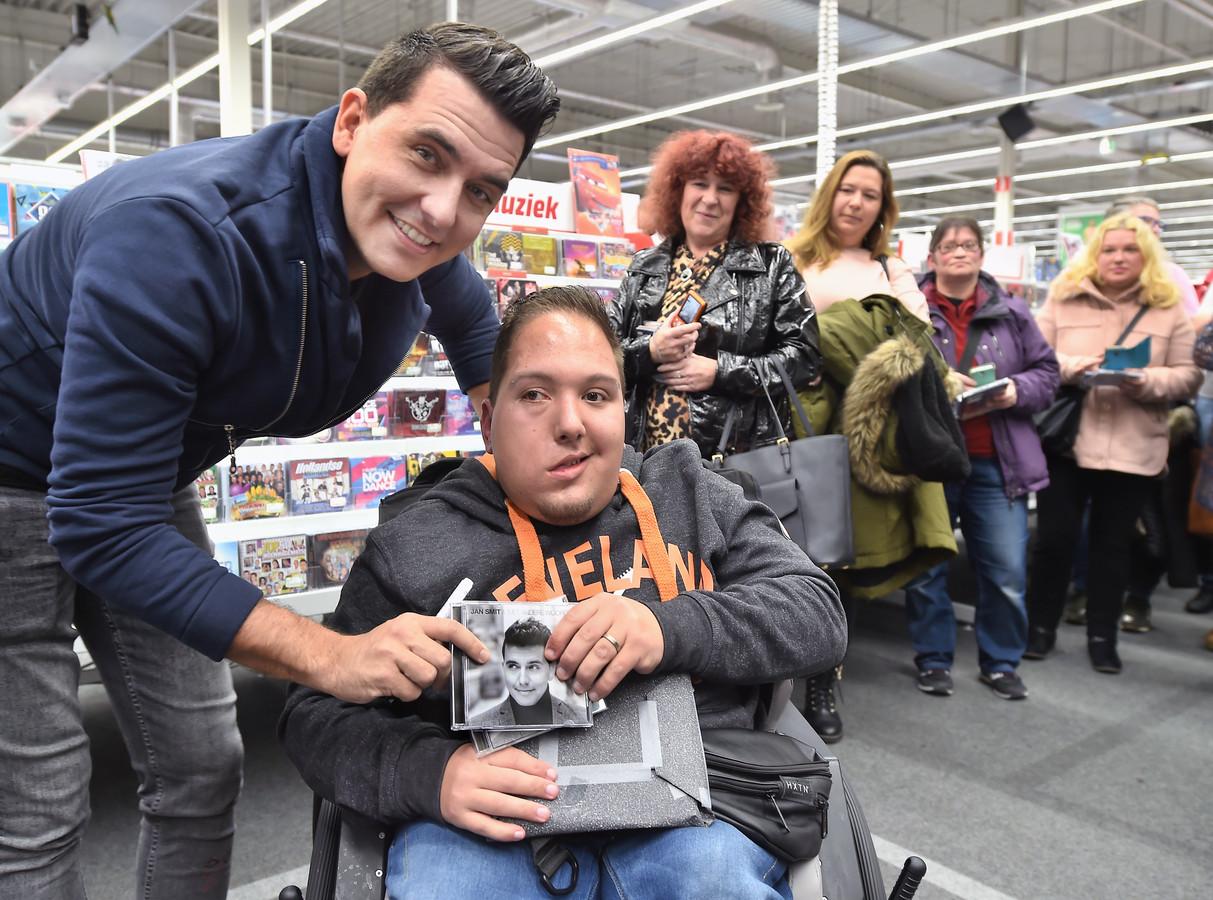 Nick van Antwerpen met Jan Smit in Middelburg.