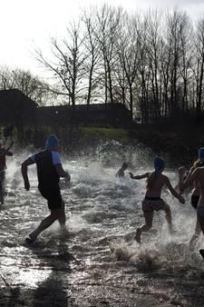 Nieuwjaarsduik in Westervoort afgeblazen: water staat te hoog