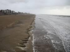 Deel van Scheveningse strand weggeslagen door storm