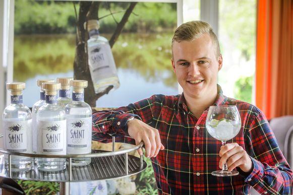 Mattias Bonami importeert de Saint G&T Gin uit Zuid-Afrika en verdeelt ze in België.