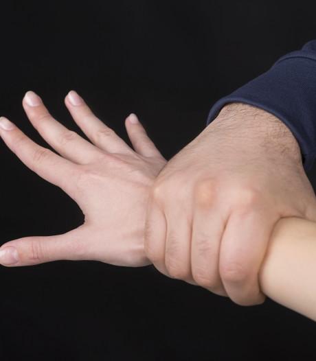 Man en vrouw mishandelen ex-vriendin in Breda