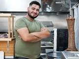 Kebab, zweet en tranen: Dumpert-hit Ammar uit Deventer wil volkszanger worden en dat lijkt te gaan lukken