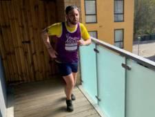 Il parcourt un semi-marathon en faisant 5.500 fois le tour de son balcon