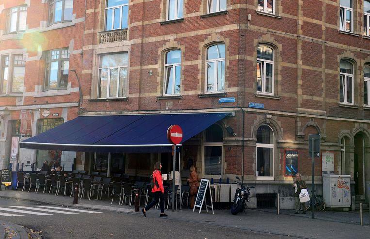 Café Den Beiaard, de zaak van Karen Verstappen. Hier werd vorig jaar ingebroken door de man die ze nu dus herkende in de Match.