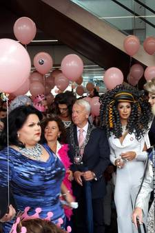 Homo's en lesbiennes nemen Tilburgse kermis over