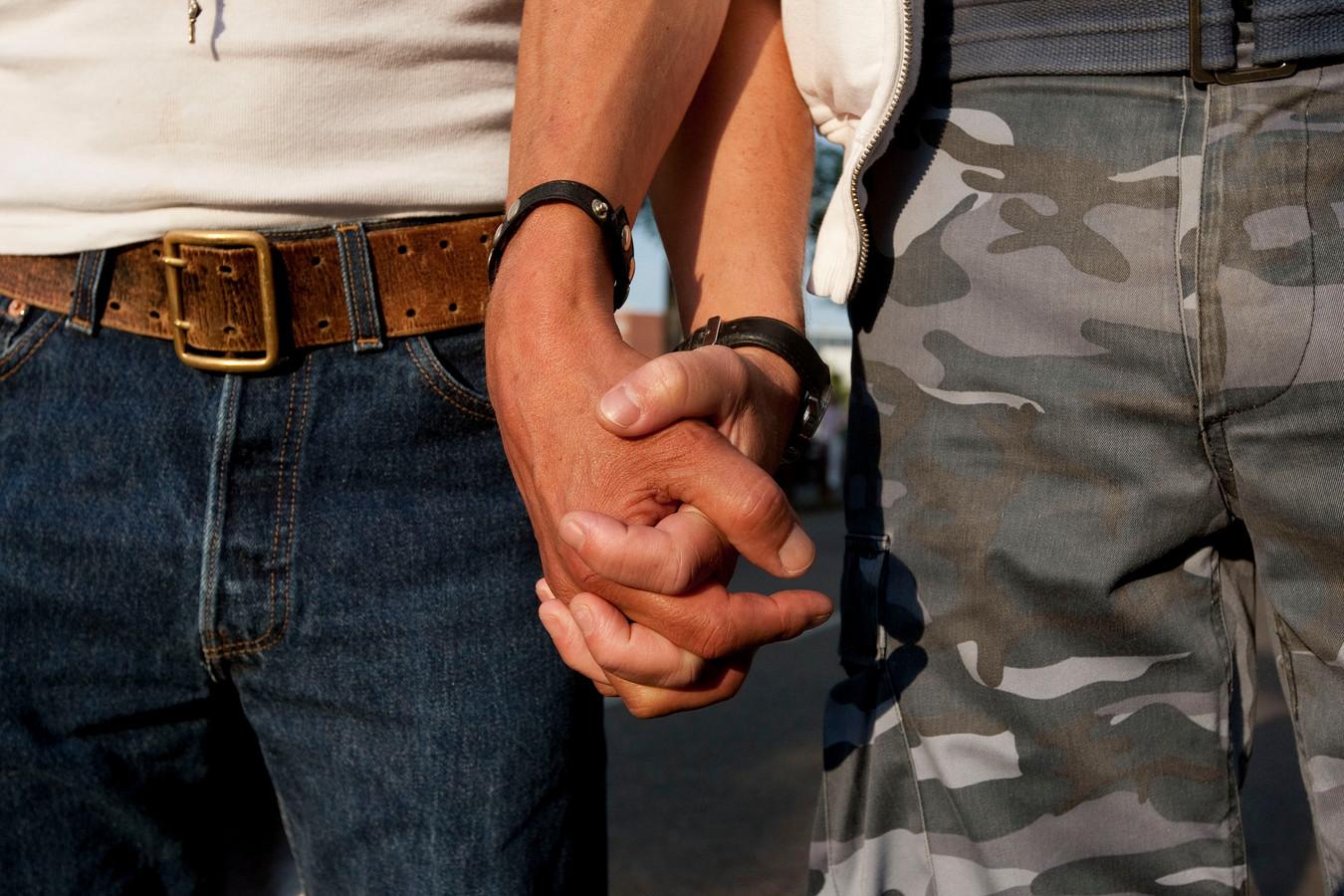 Hand in hand over straat gaan is voor homo's in Zeist geen optie, ontdekte de Jongerenraad.