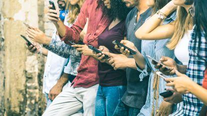 """Wie vaak op sociale media zit, heeft daarom niet minder """"real life"""" contact met vrienden en familie"""