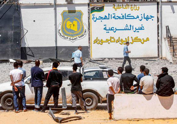 Bij een luchtaanval op een detentiecentrum voor migranten in Tripoli vielen begin deze maand zeker veertig doden