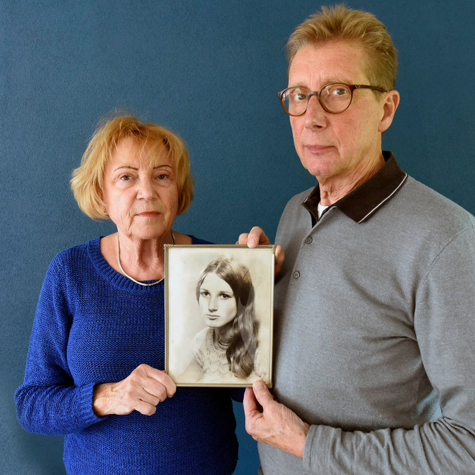 Het bekende portret van Betty Kunst was enkele maanden voor haar verdwijning gemaakt tijdens de bruiloft van Marian. Ze had korte tijd erna haar lange haar afgeknipt.