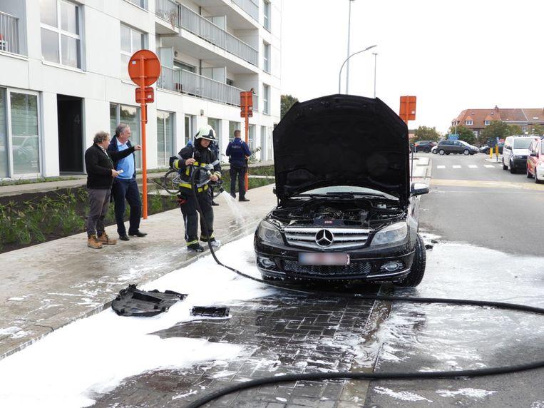 Mercedes vat vuur aan Dampoort