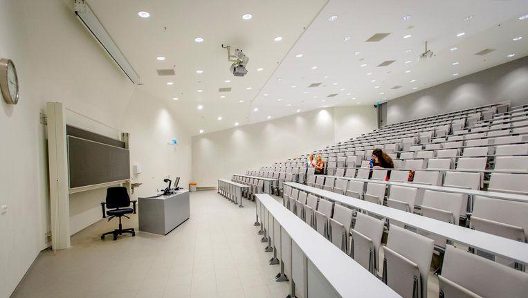Een collegezaal van de Rijksuniversiteit Groningen. Beeld null