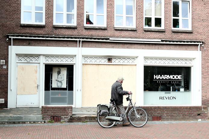In kapsalon Haarmode op de hoek Laarstraat en Berkelsingel heeft een brand gewoed.