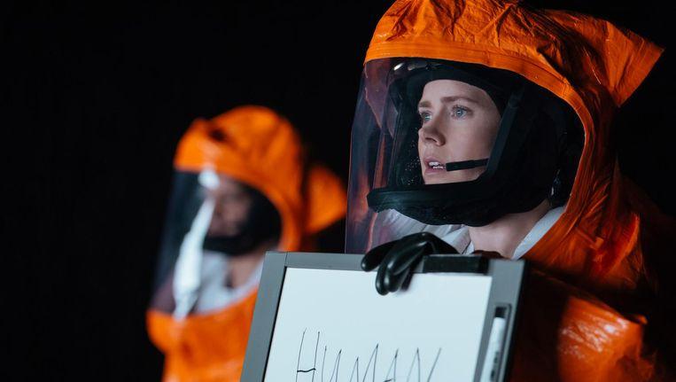 Amy Adams in Arrival. Zij speelt een linguïst, die probeert te communiceren met buitenaardse wezens Beeld Paramount Pictures