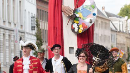 Veel volk voor historische stoet Adriaen Brouwer in centrum van Oudenaarde