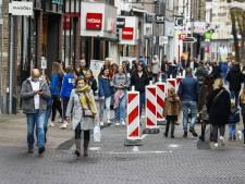 Waarom we streng zijn voor anderen maar zelf de regels omzeilen