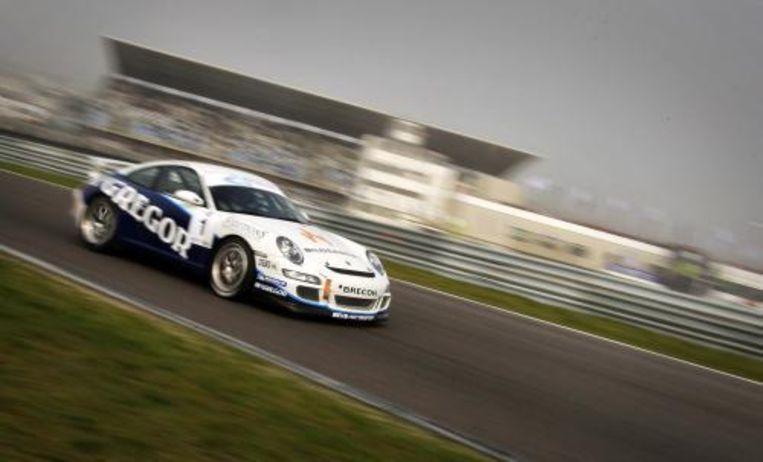 Paul van Splunteren heeft maandag de tweede race gewonnen in het Dutch GT4 Championship, de nieuwe ereklasse van de Nederlandse autosport. Foto ANP Beeld
