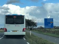 'Vreemde bussen' blijven nog een paar weken door Zeeland rijden