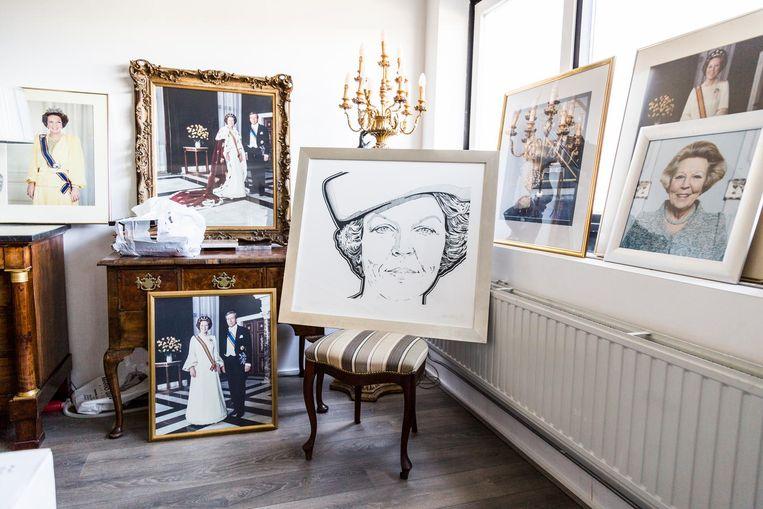 Wim van Kleef heeft opvallend veel portretten van Beatrix, vrij weinig van Willem-Alexander. 'Maar ik vind juist dat hij het super doet. Beatrix was toch wat statisch.' Beeld Tammy van Nerum