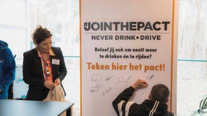 Beginnende automobilisten krijgen 'Drive Safe Kit' om hen te wijzen op gevaren van alcohol