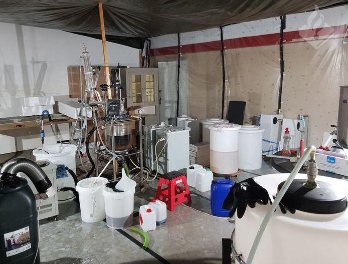 Een van de ontmantelde drugslabs.
