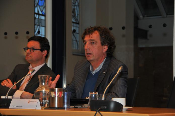 Burgemeester Verhulst tijdens een vergadering van de Veiligheidsregio Zeeland.