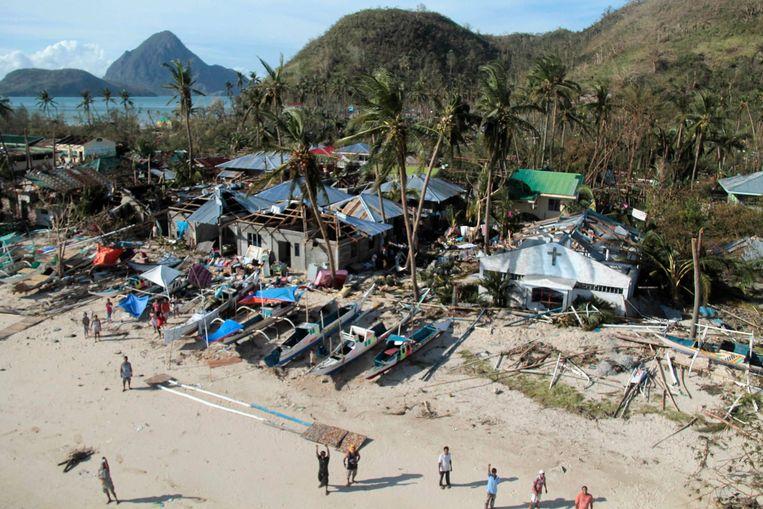 Tyfoon Haiyan verwoestte huizen van vissers en boeren. Beeld Reuters