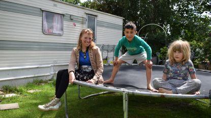 """Alina (40) en Kindo (7) na meer dan drie maanden terug naar camping Puyenbroeck: """"Meer vrijheid dan hier vind je nergens"""""""