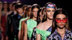 Qu'est-ce que c'est, le fashion week? 12 vragen over modeweken wereldwijd