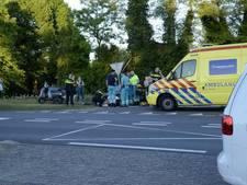 Scooter ramt verkeerspaal op N18 bij Usselo: 2 gewonden
