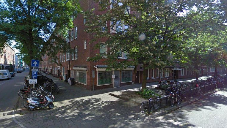 Het koffiehuis op de hoek van de Eerste Hugo de Grootstraat en de Gillis van Ledenberghstraat. Beeld Google Maps