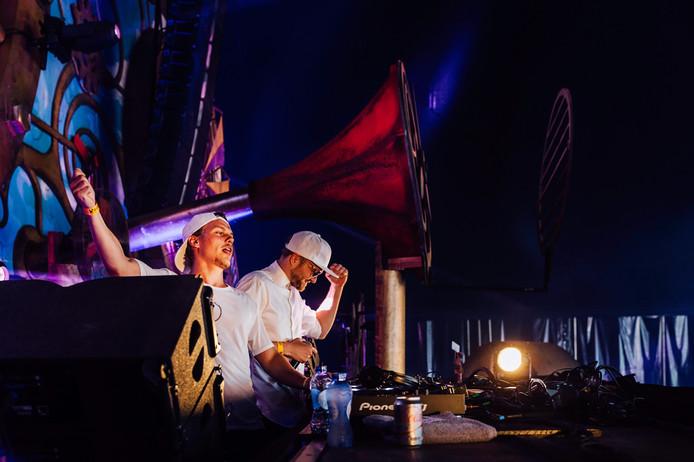 DJ-duo The Galaxy bestaand uit Arjen Lubach en Sacha Harland.
