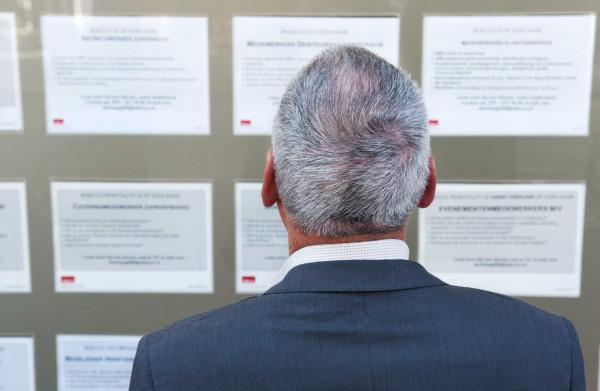 **Almere bewijst: gemeenten kunnen werkloze ouderen wél aan het werk krijgen**