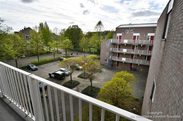 Beeld uit het raam van de flat aan de Veloursstraat waar Damian en Jonathan werden vastgehouden.
