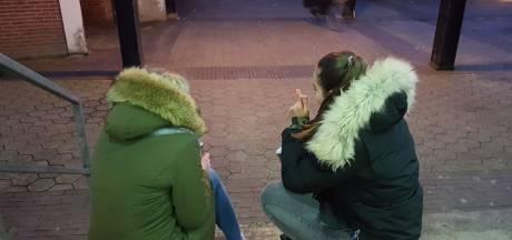 Grote groepen hangjongeren verstoren winkelend publiek in Wezep
