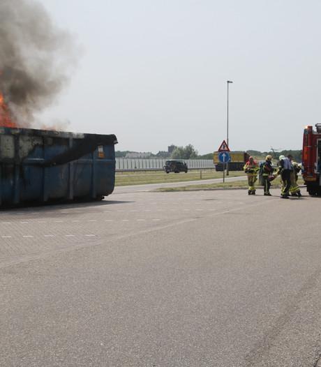 Container in brand bij tankstation langs A28 in Harderwijk