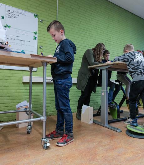 Angerlose basisschool verruilt stoelen voor hometrainers en wiebelkrukken