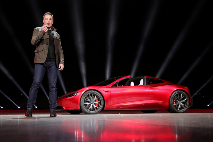 Tesla-CEO Elon Musk bij de onthulling van de Tesla Roadster 2 in Californië in 2017.