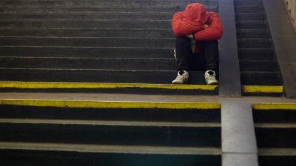 """Grootschalig onderzoek concludeert: """"Bijna de helft van de Belgen voelt zich eenzaam"""""""