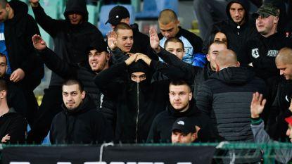 Bulgarije-Engeland twee keer stilgelegd na racistische gezangen, waarna Engelsen op het veld zwaar uithalen