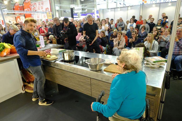 Jeroen Meus op de Boekenbeurs enkele jaren geleden. De organisatie wil nu af van haar 'kookboekenbeurs'-imago.