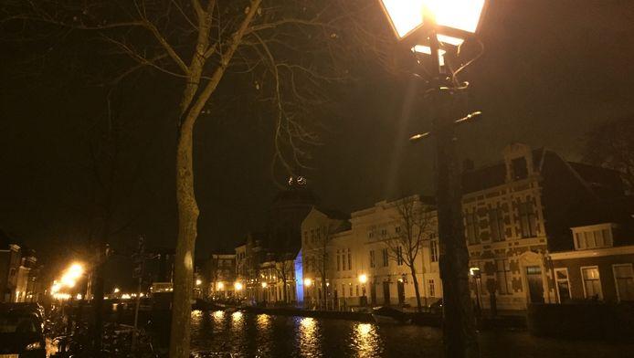 De straatverlichting in Leiden stelt netbeheerder Liander voor een raadsel.