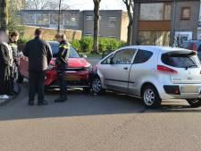 Botsing tussen twee auto's op het Belgiëplein in Breda loopt met sisser af